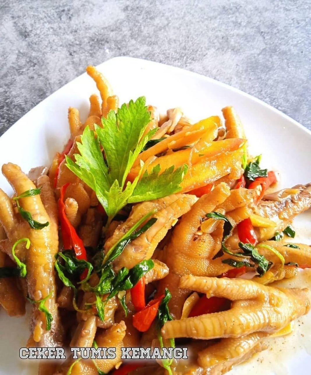 Info kuliner, CEKER AYAM siapa yg suka cekerrr????  Bahan – bahan :  3 sendok makan minyak goreng  5 siung ba…