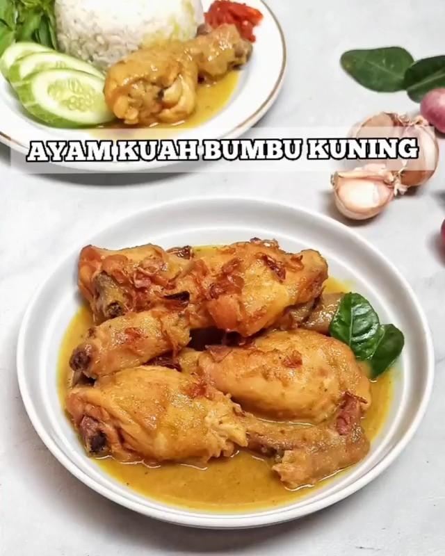 Info kuliner, Ayam Kuah Bumbu Kuning ini sekilas rasanya mirip Opor/Kare Ayam, tapi bumbu serta kuah lebih peka…