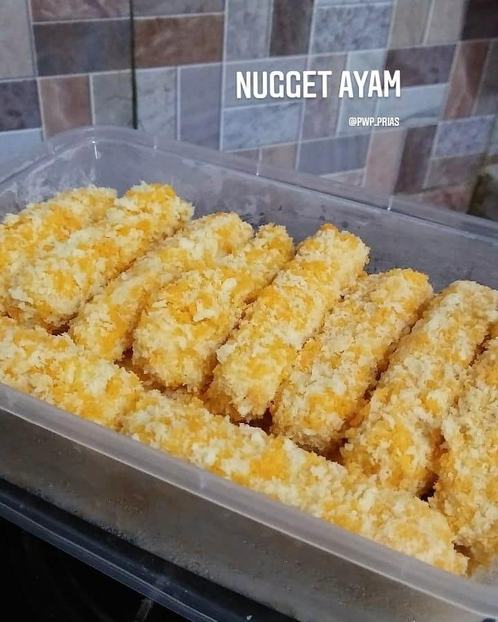 Info kuliner, Nugget Ayam   untuk stock lauk makan anak2 dirumah nih.. Anak2 selalu lahap kalo makan nugget bu…