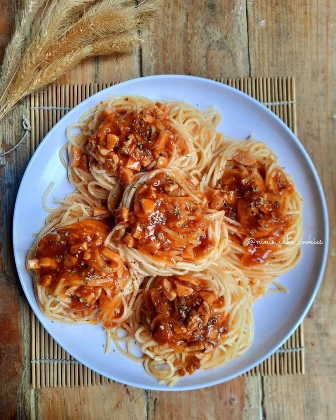 Info kuliner, makanan yg semua kalangan pasti sukaaa Berikut bahan yang dipergunakan:  Bahan A:  spaghetti 1 bun…