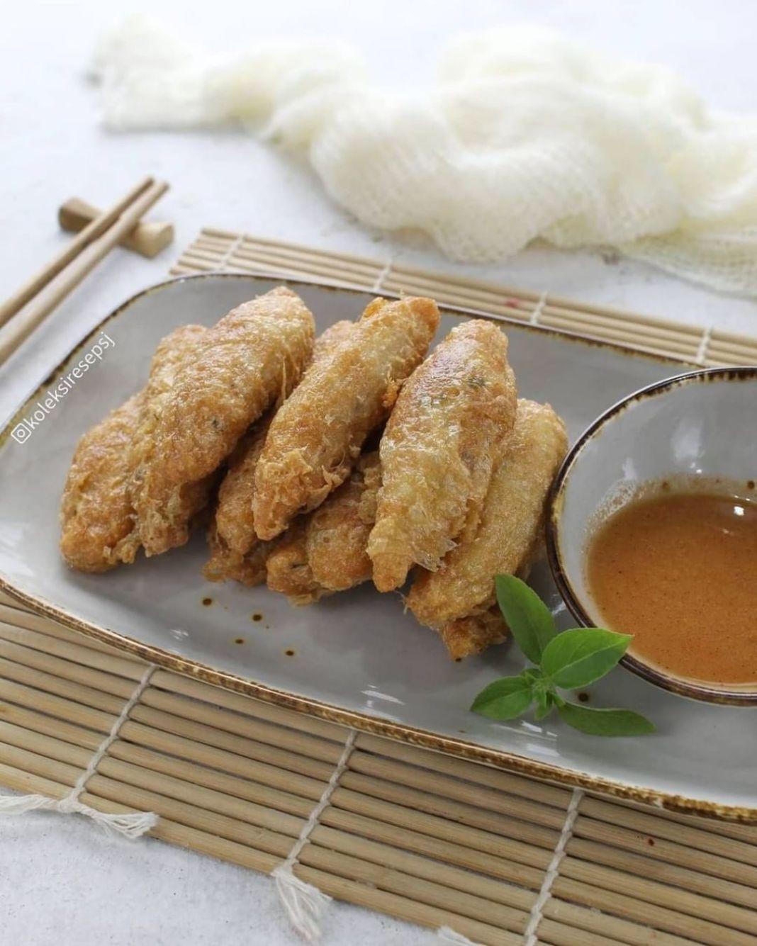 Info kuliner, OTAK OTAK SAMBAL BANGKOK by@koleksiresepsj . Bahan: 150 gr daging ikan tenggiri, dihaluskan 50…