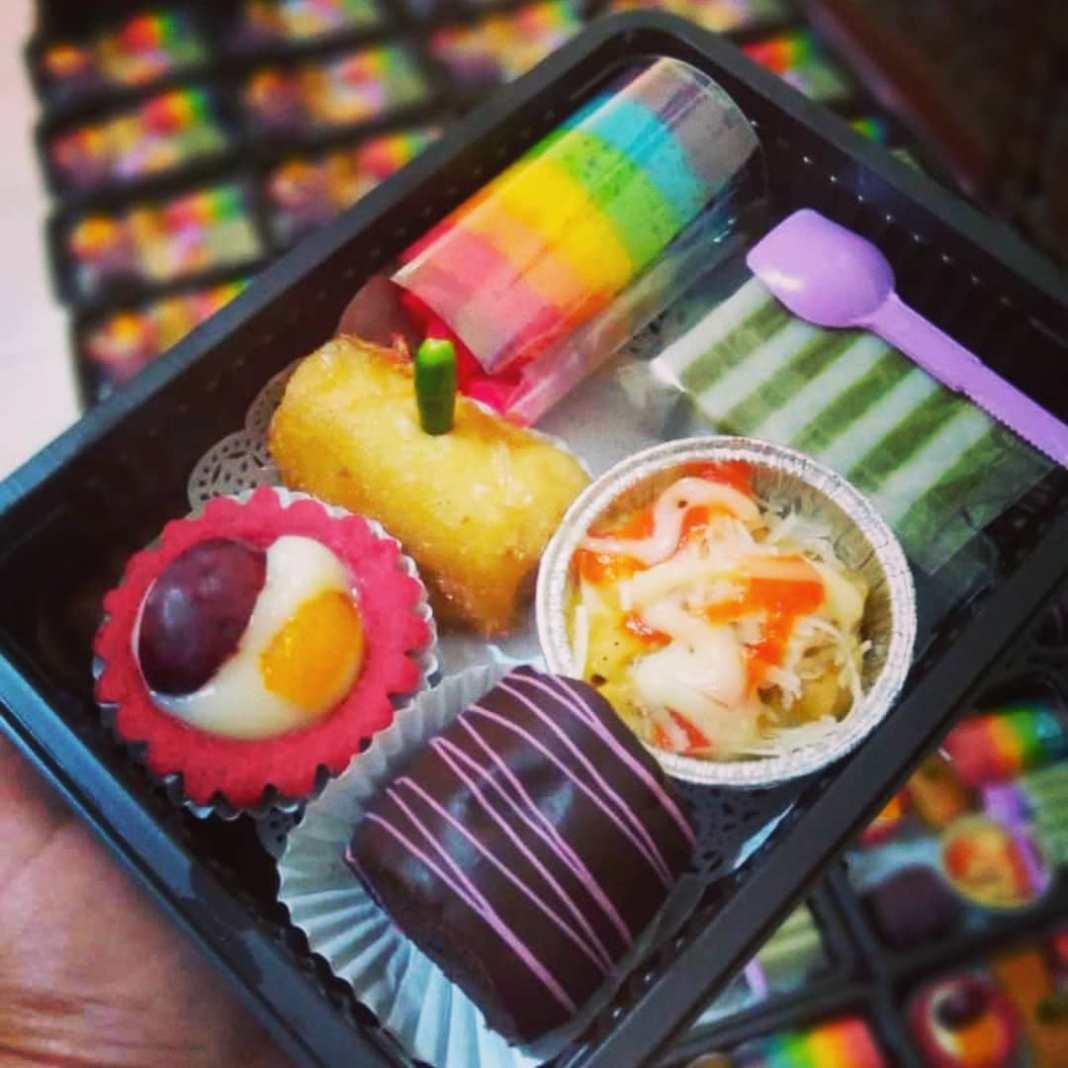 Kue Snack mika  #snackboxsurabaya #snackboxsidoarjo #kuenampansidoarjo #kueminis…