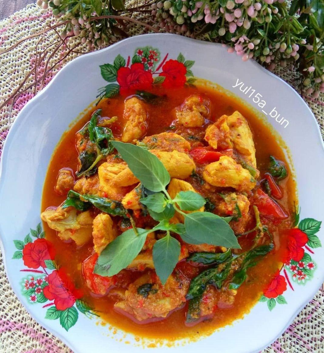 Info kuliner, Ayam woku  300 grm daging ayam fillet,beri sedikit garam 2 buah tomat potong kecil 2 batang ser…