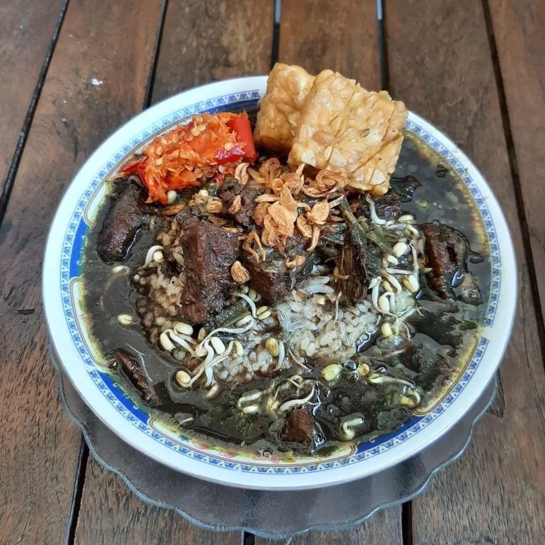 Info kuliner, Rawon Malang #rawonmalang —– Bahan: 500 gr daging sapi 1 kg balungan 15 siung bawmer 10 siun…