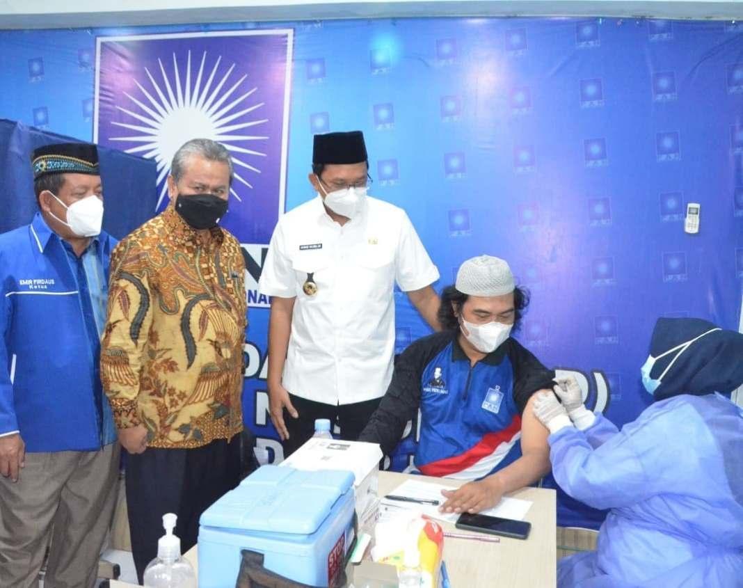 Tingginya kesadaran masyarakat Sidoarjo akan pentingnya vaksinasi membuat Bupati Sidoarjo Ahmad…