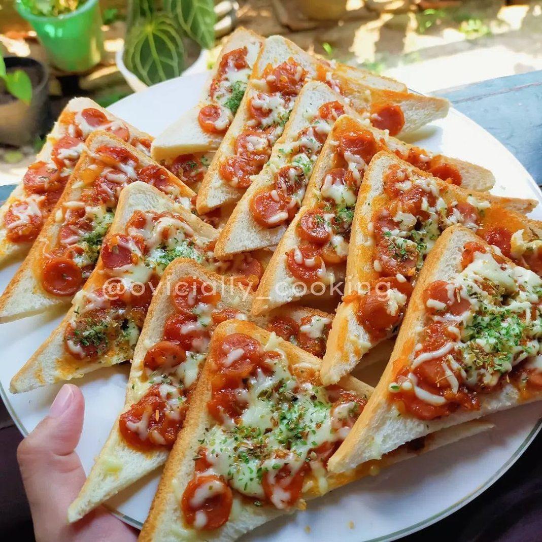 Info kuliner, selamat pagiiii!!! bikin yg simple2 yuuk untuk sarapan hari inii   Pizza Roti Tawar   Bahan :  …