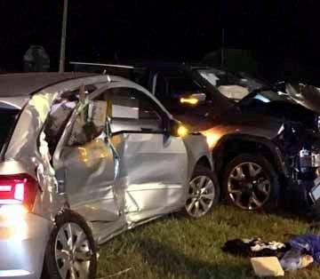 Colisão auto x auto no trevo que liga Bandeirantes a Abatiá deixa duas pessoas feridas