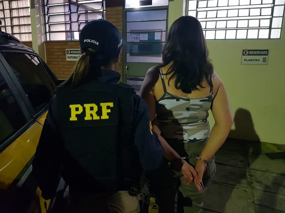 Após perseguição, motorista bêbada é presa em flagrante na BR-376