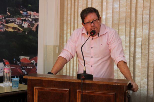 Vereador sugere consórcio para aquisição de ônibus para saúde