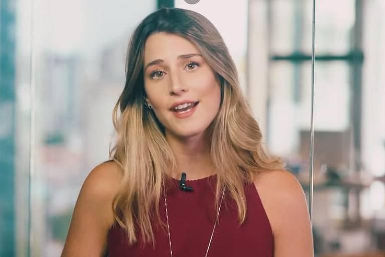Bettina, a milionária de 22 anos do YouTube, responde comentários que ironizam seu vídeo