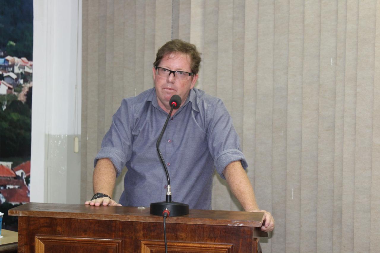 Jacarezinho: Vereador pede melhorias em escolas municipais