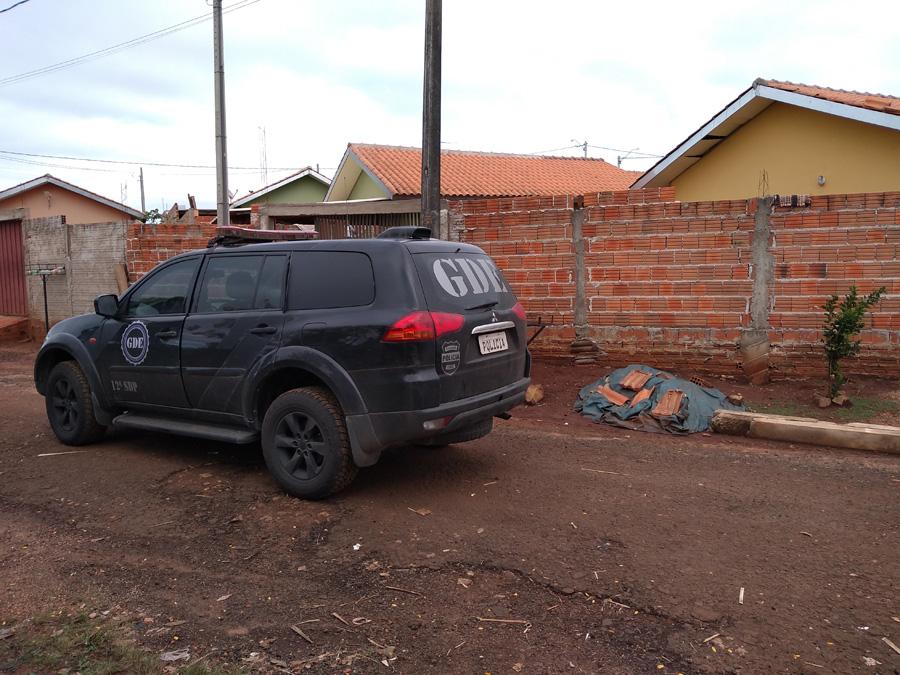 Jacarezinho: Polícia Civil apreende arma, dinheiro e drogas