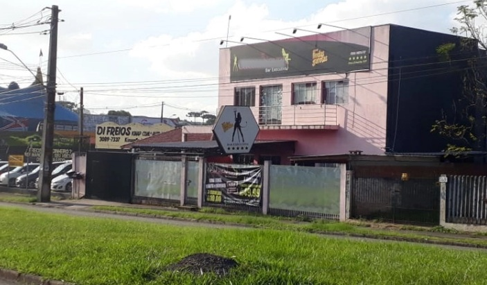 Paraná: Empreiteiro que não teria pago conta em boate é mantido refém por 4 dias; seis foram presos