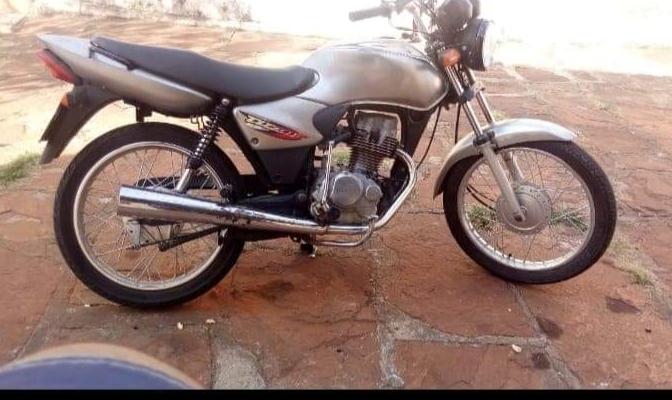 Moto é furtada em Jacarezinho-PR