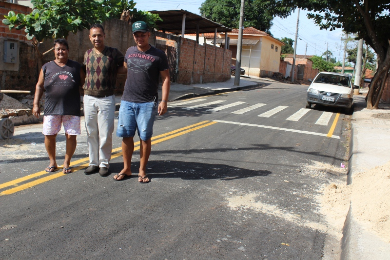 Jacarezinho: Pavimentação asfáltica na Vila Leão