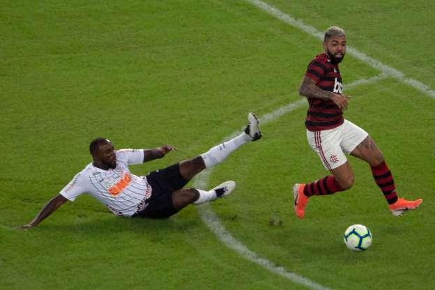 Com auxílio do VAR, Fla volta a vencer Corinthians e avança às quartas da Copa do Brasil