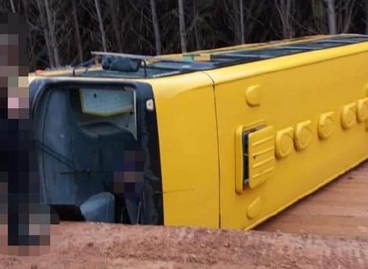 Polícia aguarda laudo para concluir investigações de acidente com ônibus escolar
