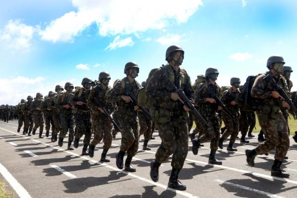 Procura por carreira militar cresce 14,5% no Paraná