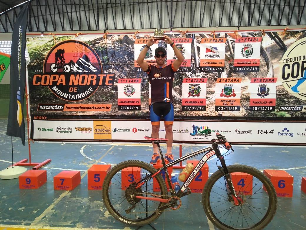 Jacarezinhense Rodrigo Queiroz vence a 6ª etapa Copa Norte de MOUTANBIKE em Ibaiti PR.