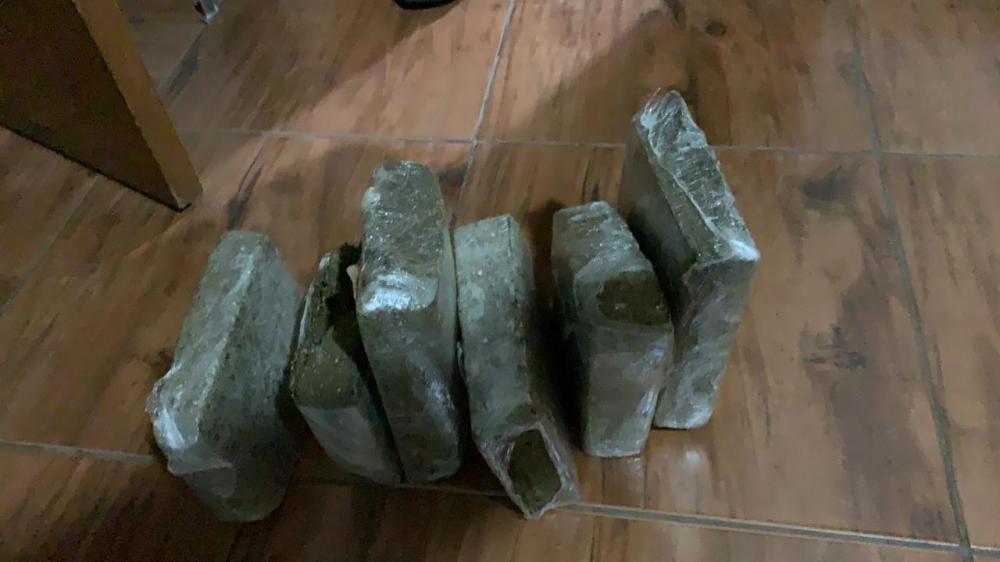Polícia encontra 5,8 kg de maconha em quarto de adolescente