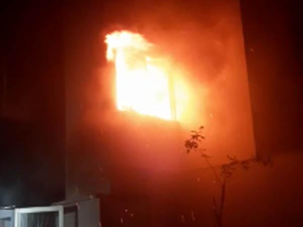 Marido briga com a mulher, quebra tudo, coloca fogo na casa e até PMs vão para o hospital