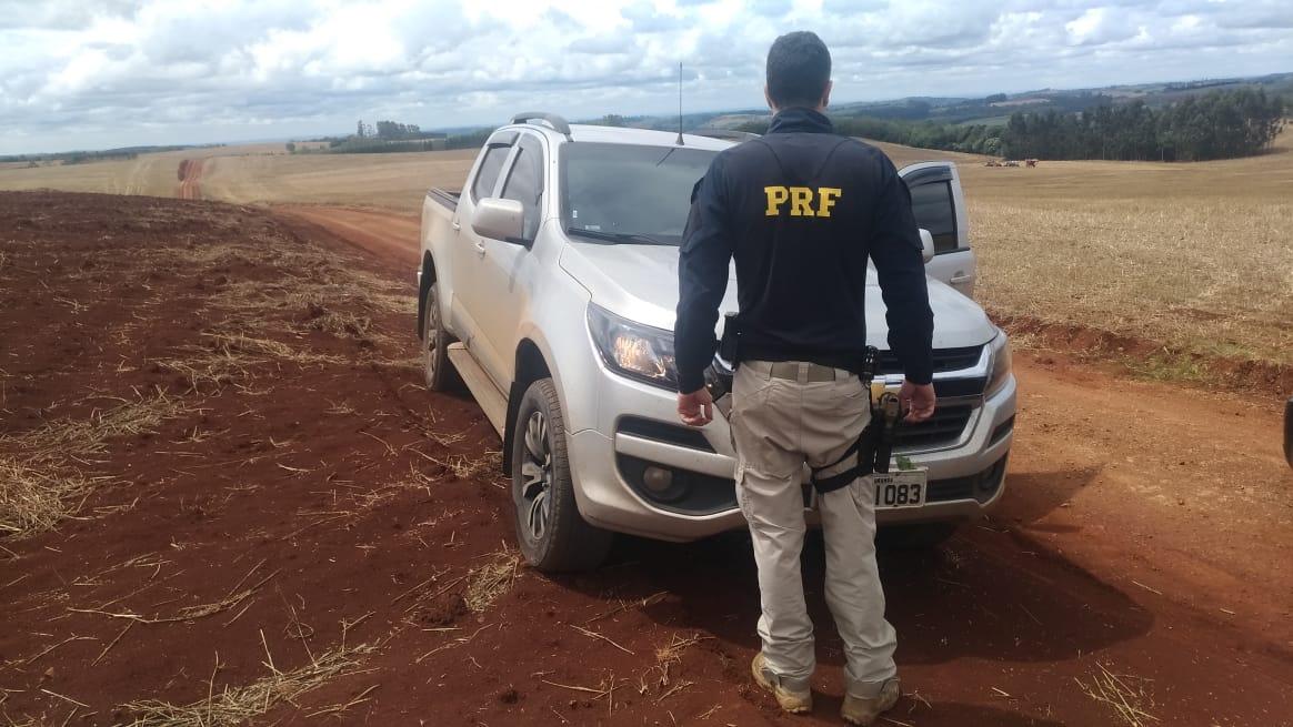 Caminhonetes com lançador de fumaça roubadas no Paraná são recuperadas pela PRF