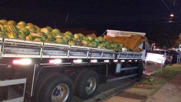 PRE faz apreende apreensão de uma tonelada de maconha escondida em carga de melancia