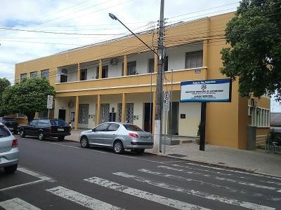 Por 5×3 vereadores de Jacarezinho aprovam aumento de salário do prefeito