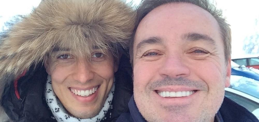 Thiago Salvático posta foto com Gugu para lembrar oito meses da morte do apresentador