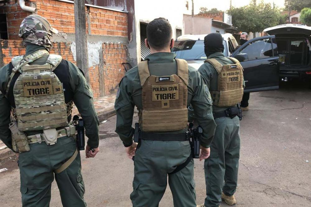 Megaoperação combate crime organizado na divisa do Paraná e SP
