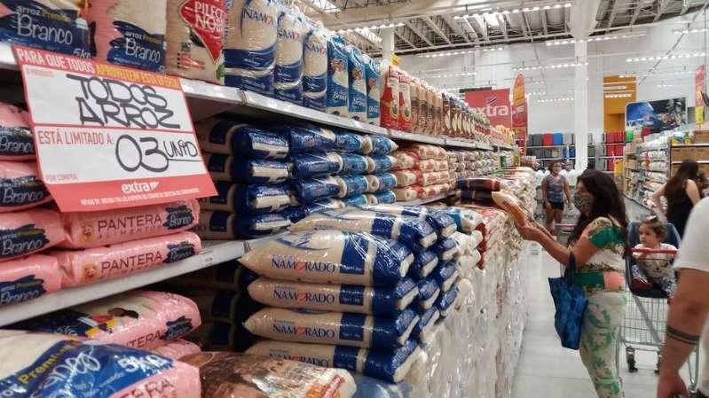 Com alta de alimentos, prévia da inflação sobe 0,45% em setembro
