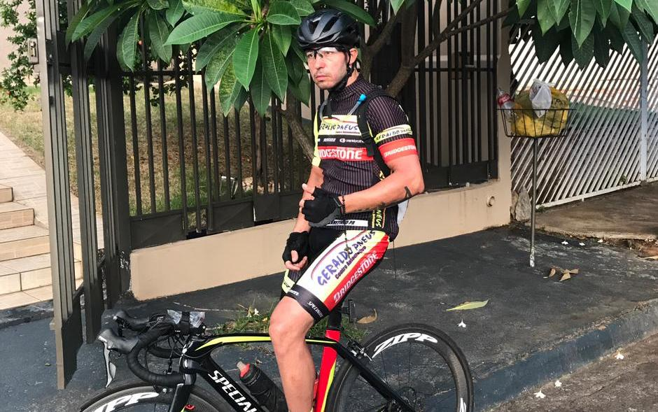 """Atleta Jacarezinhense Rodrigo Queiroz percorre cerca de 345 km de bike estrada speed em preparação às competição 2021. """"Confiram as fotos"""""""