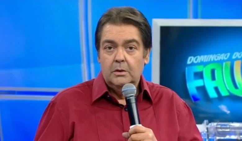 """Globo desmente boatos que Faustão estaria internado em UTI por Covid e diz: """"visita de rotina"""""""