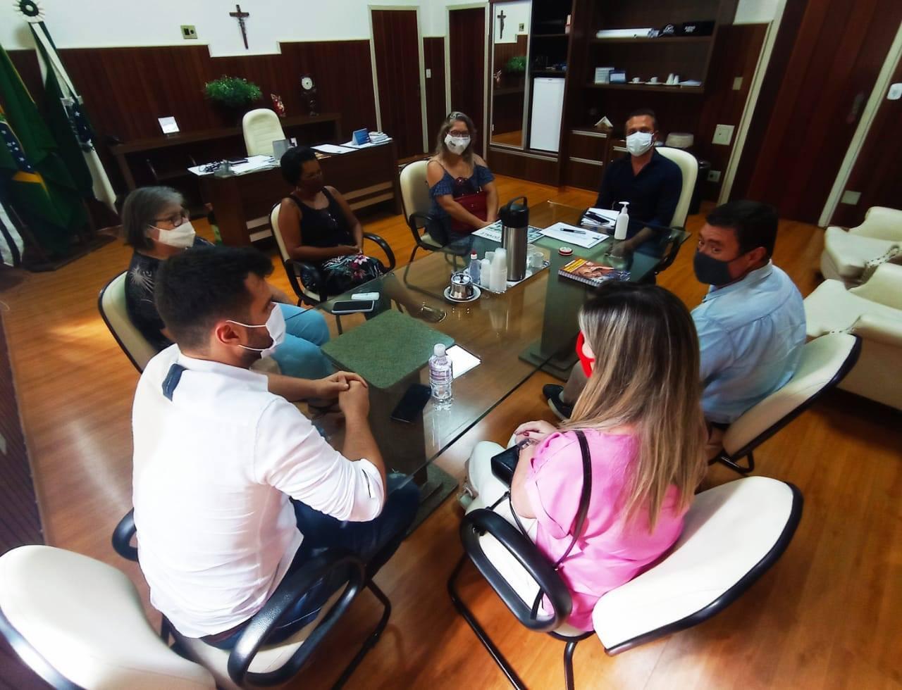 Jacarezinho: Município e APP-Sindicato dialogam sobre possibilidade de retorno às aulas na rede municipal