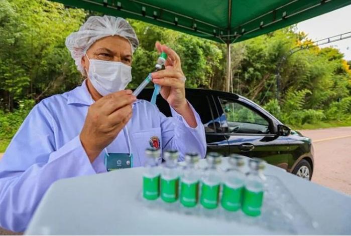 Com poucas doses, País só deve concluir vacinação de prioritários em setembro