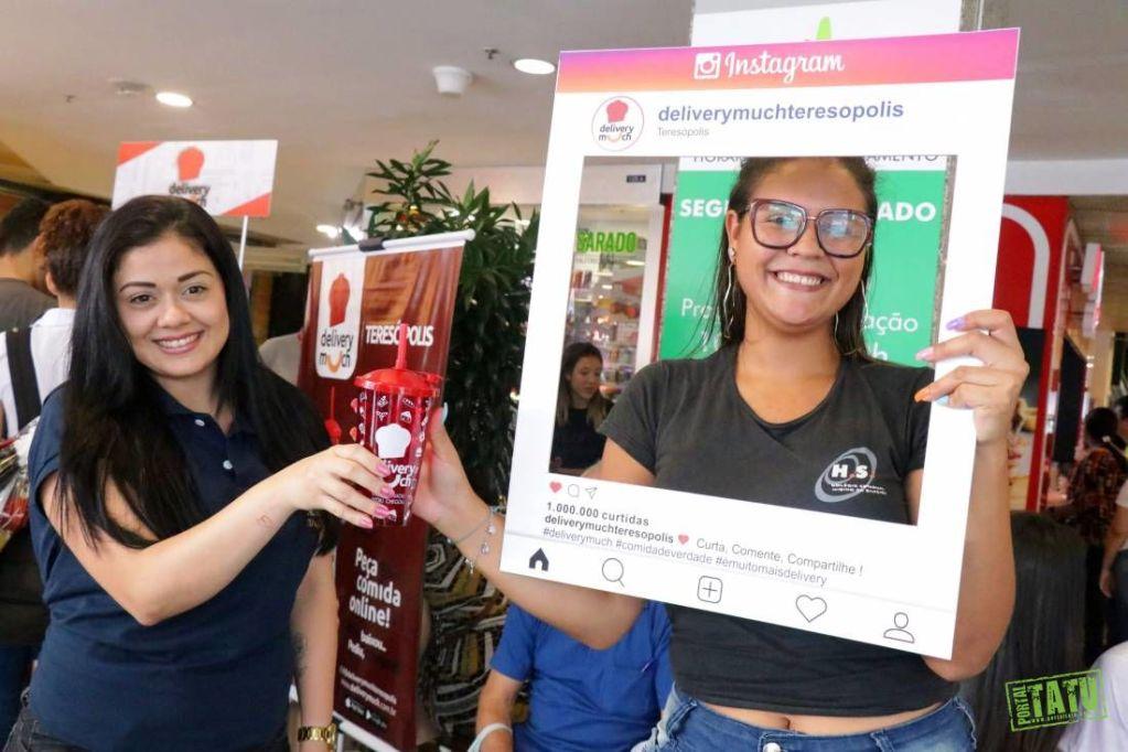Delivery Much chega a Terê e faz distribuição de copos no Teresópolis Shopping Center dias 13 e 14 de março