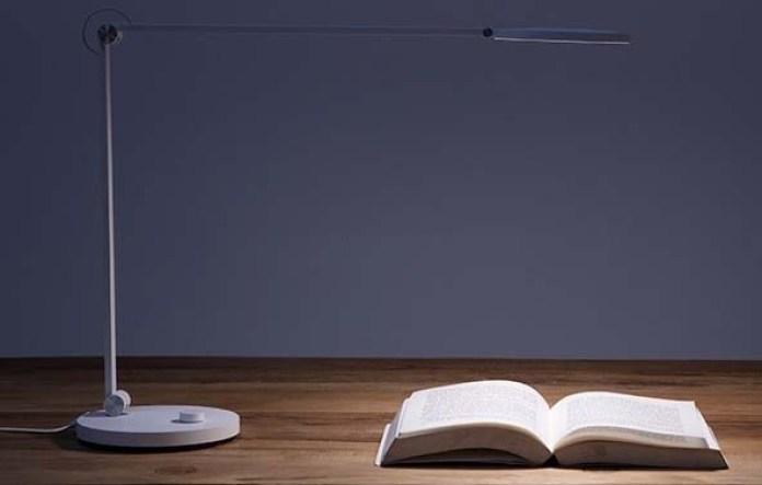 Xiaomi выпустила умную настольную лампу за $50