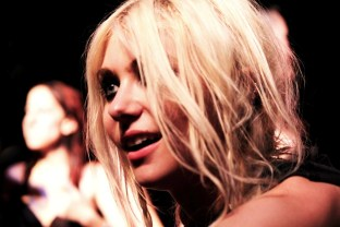 Taylor-Momsen-Pretty-Reckless-001