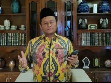 Wali Santri, Jadi Inspirasi Ketua DPD Golkar Jatim Menulis Puisi