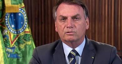 Bolsonaro anuncia pacote de R$ 88 bi em auxílio para estados e municípios