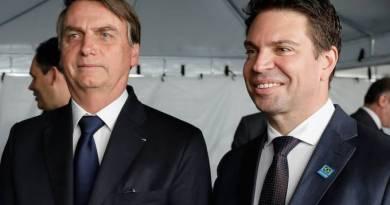 Bolsonaro: a família substituiu o partido