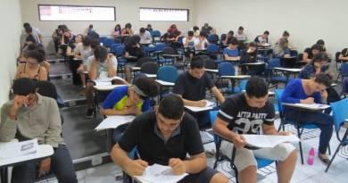 Câmara aprova texto base de suspensão de dívida de estudantes com Fies