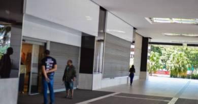 Governador do DF autoriza reabertura de lojas de móveis e eletro