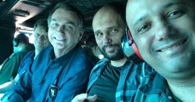 Bolsonaro sai de helicóptero e visita comércio em Goiás