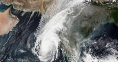Ciclone ameaça Índia e Bangladesh e aumenta o risco de Covid 19