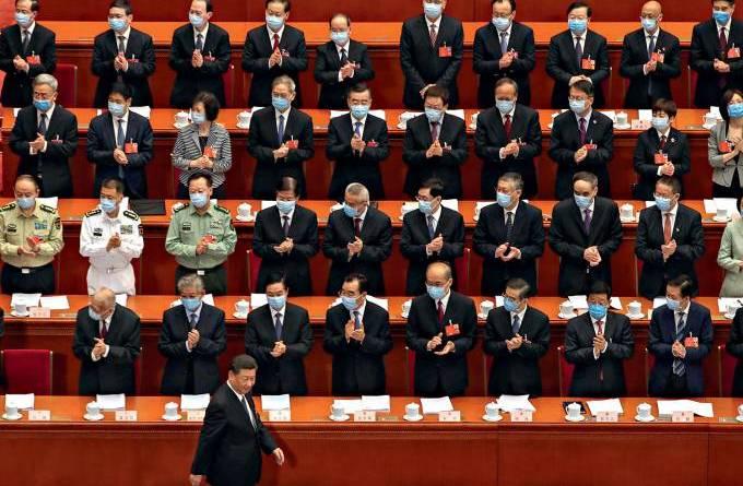 O dragão afia as garras: Pequim aperta o cerco contra Hong Kong