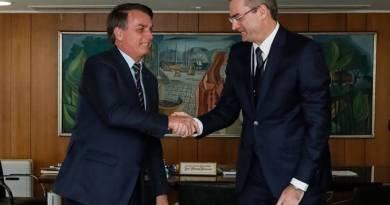 Após pressão de Bolsonaro, PF retoma curso presencial com 500 concursados