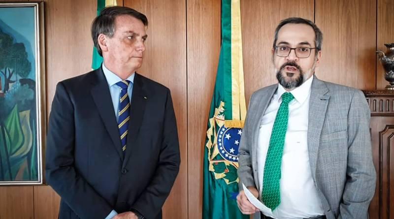 Bolsonaro exonera Weintraub da Educação, que está nos EUA