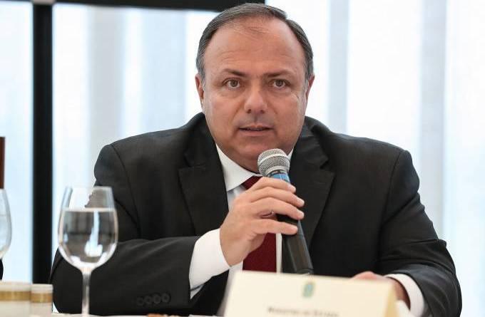 Pazuello contraria Bolsonaro e elogia STF por dar autonomia aos estados