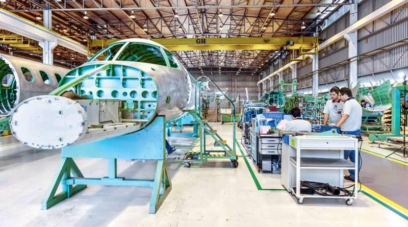 Projeto que prevê compra da Embraer viola Constituição, diz Salim Mattar
